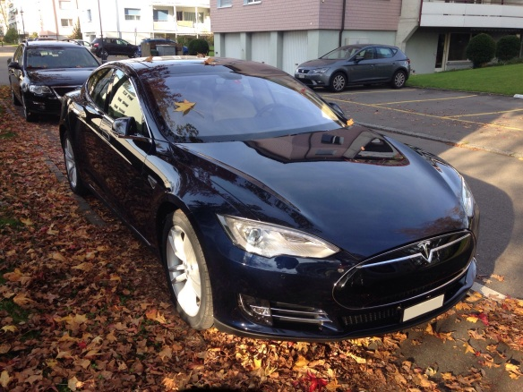 Tesla_Motors_black_Model_S_In_Switzerland_2014
