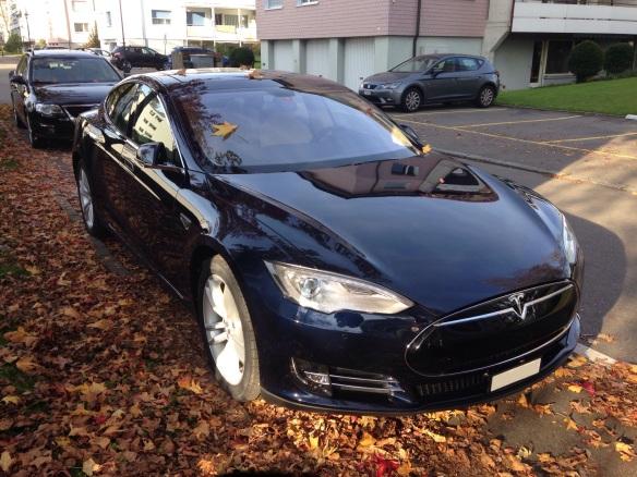 Tesla_Motors_black_Model_S_In_Switzerland_2014